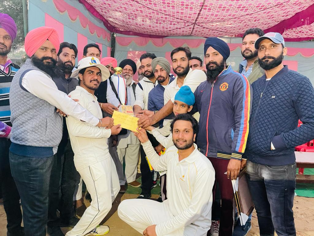 Mansa News 03 December 2020, Doda (Muktsar) wins first prize in 17th Cricket Tournament organized by Herocals Club